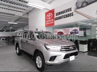 Foto venta Auto usado Toyota Hilux 4p Doble Cabina SR L4/2.7 Man (2017) color Plata precio $305,000