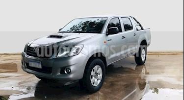 Toyota Hilux 2.5 4x4 DX DC usado (2015) color Gris Claro precio $1.290.000