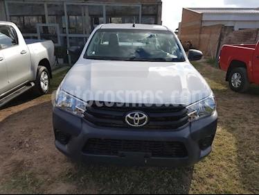 Toyota Hilux 2.4 4x2 DX TDi DC usado (2018) color Blanco precio $1.300.000