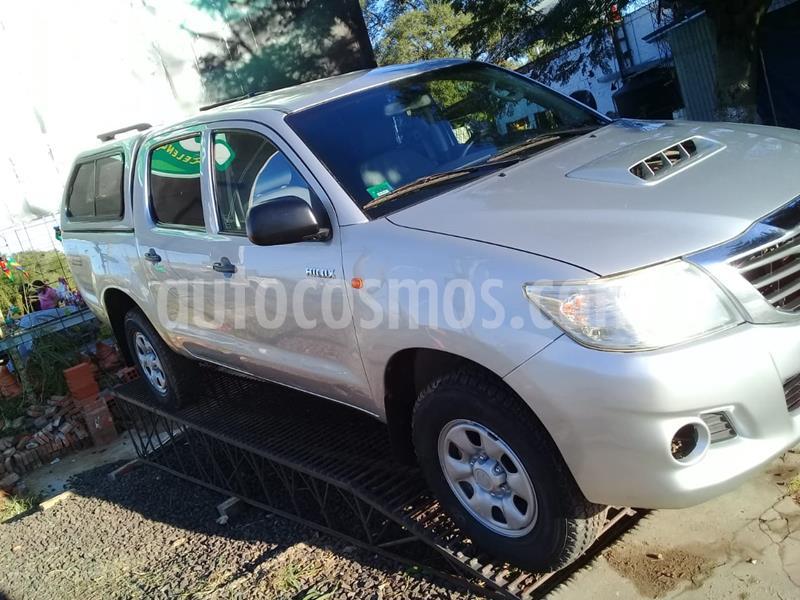 Toyota Hilux 2.5 4x4 DX Pack DC usado (2014) color Plata precio $1.480.000