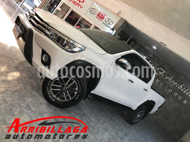 Toyota Hilux 2.8 4x4 SRX TDi DC usado (2017) color Blanco precio $3.300.000