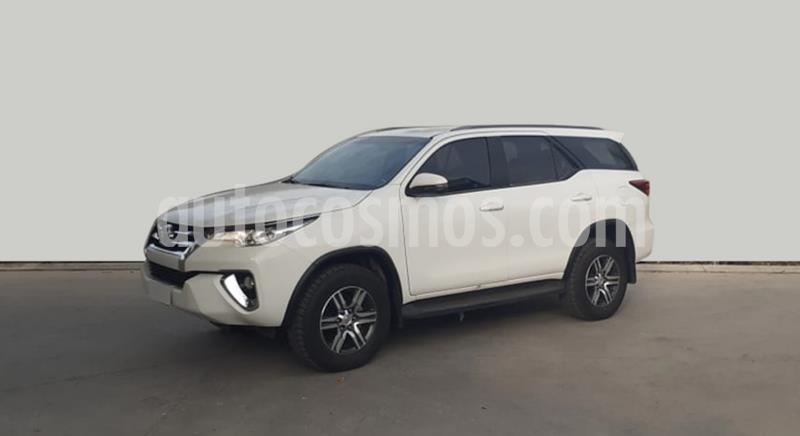 Toyota Hilux 2.4 4x2 DX TDi DC usado (2018) color Blanco precio $3.500.000
