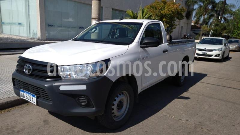 Toyota Hilux 2.4 4x2 DX TDi DC usado (2016) color Blanco precio $1.995.000