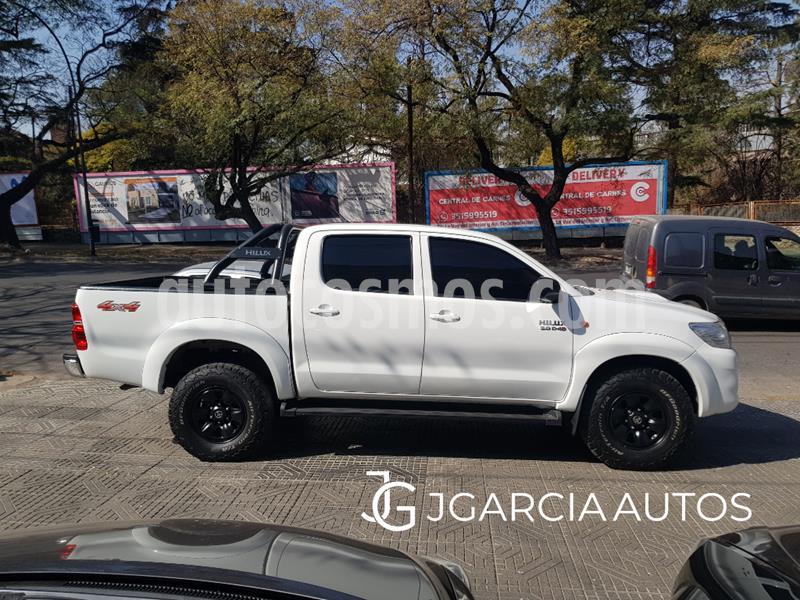 Toyota Hilux 3.0 4x4 SR TDi DC usado (2014) color Blanco precio $2.050.000