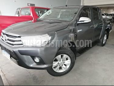 Toyota Hilux 2.8 4x4 SRV TDi DC usado (2017) color Gris Oscuro precio $1.869.000
