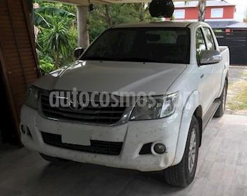 Toyota Hilux 2.7 4x2 SRV DC Cuero usado (2013) color Blanco precio $1.380.000
