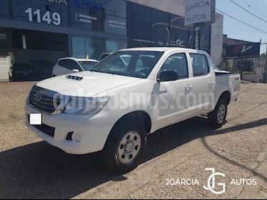 Toyota Hilux 2.5 4x4 DX DC usado (2014) color Blanco precio $12.345.678