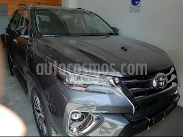 Foto Toyota Hilux 2.8 4x4 SRX TDi DC Aut usado (2018) color Gris Oscuro precio $28.000.000