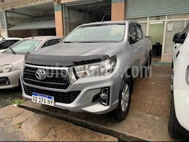 Toyota Hilux 2.4 4x2 SR TDi DC usado (2018) color Plata Metalico precio $1.910.000