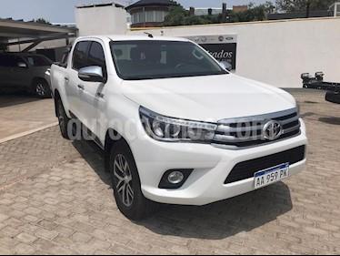 Toyota Hilux 2.8 4x4 SRV TDi DC usado (2017) color Blanco precio $1.900.000