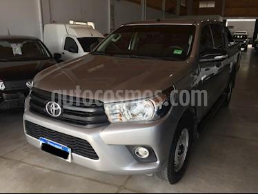 Toyota Hilux Cabina Doble DX 2.4 Diesel 4x2 MT6 (150cv) usado (2017) color Gris Plata  precio $1.790.000