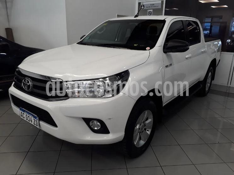 Toyota Hilux 2.8 4x2 SRV TDi DC usado (2017) color Blanco precio $2.448.900