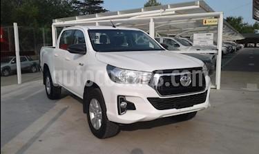 Toyota Hilux 2.4 4x2 SR TDi DC usado (2019) color Blanco precio $1.800.000