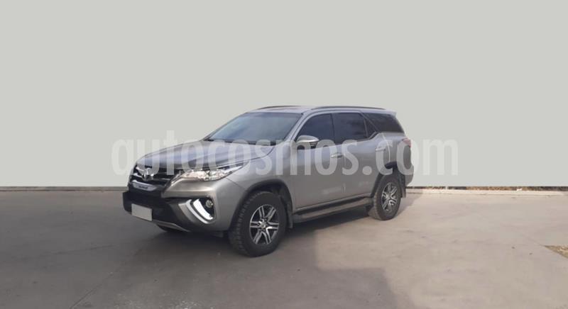 Toyota Hilux 2.4 4x2 DX TDi DC usado (2018) color Gris Claro precio $3.400.000