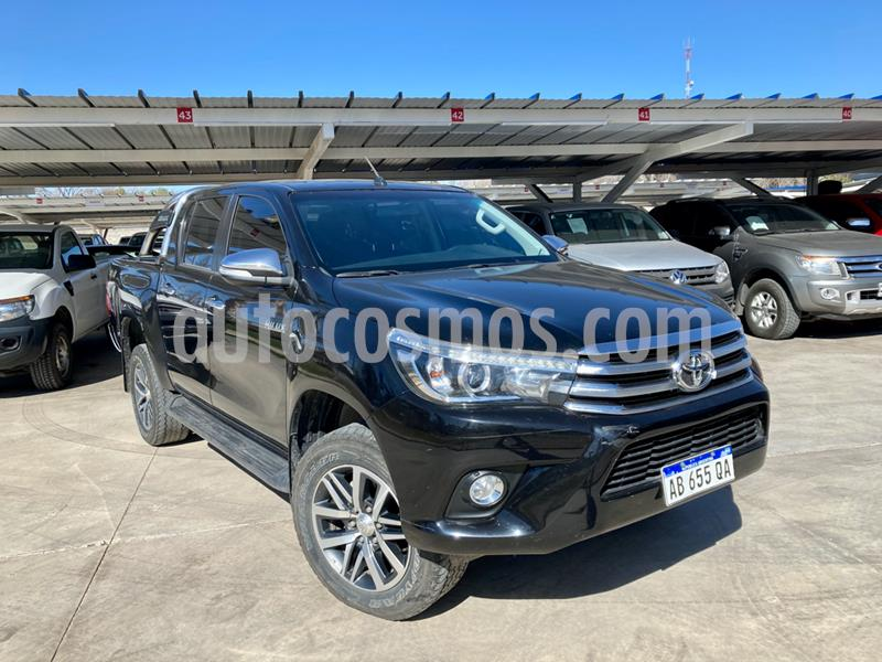 Toyota Hilux 2.8 4x4 SRX TDi DC Aut usado (2017) color Negro precio $3.360.000
