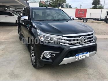 Toyota Hilux 2.8 4x4 SRX TDi DC Aut usado (2017) color Negro precio $2.160.000