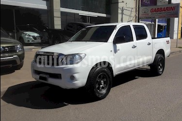Foto Toyota Hilux 2.5 4x4 DX Pack DC usado (2011) color Blanco precio $750.000