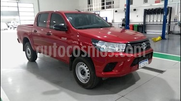 Toyota Hilux 2.4 4x2 DX TDi DC usado (2018) color Rojo precio $1.770.000