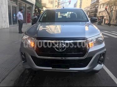 Toyota Hilux 2.8 4x4 SR TDi DC nuevo color Plata Metalico precio $2.077.700
