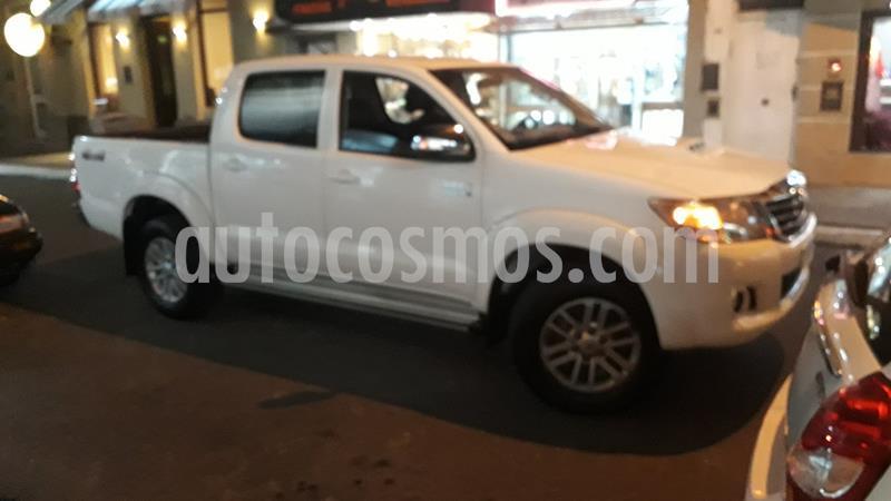 Toyota Hilux 3.0 4x4 SRV TDi DC Cuero usado (2015) color Blanco precio $2.150.000