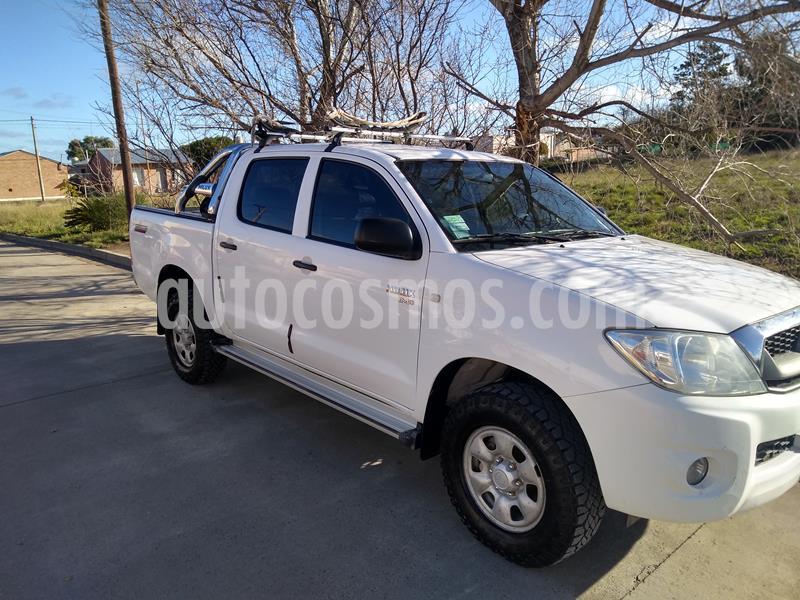 Toyota Hilux 2.5 4x2 DX TDi Pack DC usado (2009) color Blanco precio $1.300.000