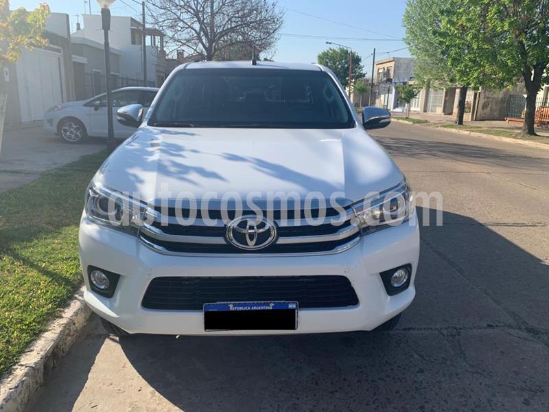Toyota Hilux 2.8 4x4 SRX TDi DC Aut usado (2017) color Blanco precio $3.000.000