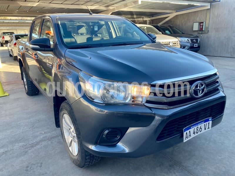 Toyota Hilux 2.4 4x2 SR TDi DC usado (2016) color Gris Oscuro precio $1.850.000