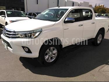Foto venta Auto Seminuevo Toyota Hilux Cabina Doble SR (2018) color Blanco precio $529,000