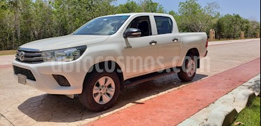 Toyota Hilux Cabina Doble SR usado (2016) color Blanco precio $265,000