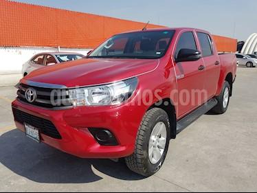 Foto venta Auto Seminuevo Toyota Hilux Cabina Doble SR (2018) color Rojo precio $352,000