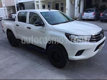 Toyota Hilux Cabina Doble SR usado (2017) color Blanco precio $314,000