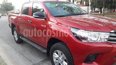Toyota Hilux Cabina Doble SR usado (2017) color Rojo precio $315,000