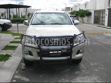 Foto venta Auto usado Toyota Hilux Cabina Doble SR (2014) color Plata precio $230,000
