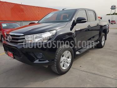 Foto venta Auto Seminuevo Toyota Hilux Cabina Doble SR (2016) color Negro precio $309,000