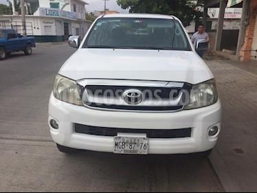 Foto venta Auto Seminuevo Toyota Hilux Cabina Doble (2010) color Blanco precio $138,500
