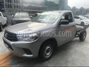Foto venta Auto usado Toyota Hilux Chasis Cabina (2016) color Plata precio $225,000