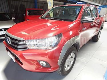 Toyota Hilux 2.4 4x4 DX Diesel usado (2017) color Rojo precio $14.890.000