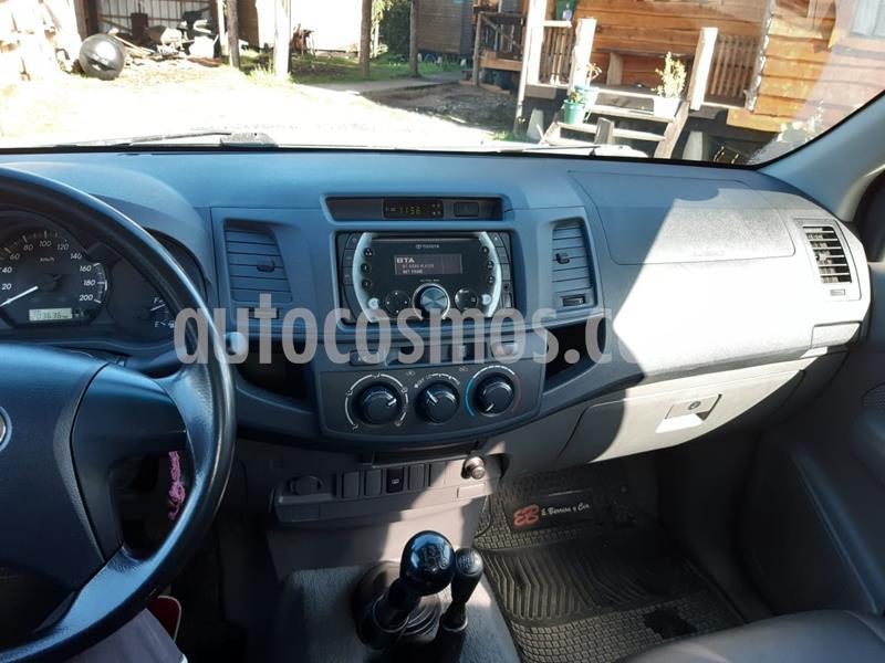 Toyota Hilux 2.5 4X4 Cabina Doble SR usado (2014) color Gris Oscuro precio $10.900.000
