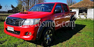 Foto Toyota Hilux DLX 2.5 4X4 Cabina Doble usado (2015) color Rojo precio $11.000.000