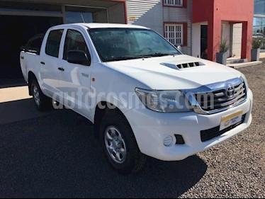 Toyota Hilux DLX 2.8 D/C  4x4 A/A - D/H usado (2014) color Blanco precio $920.000