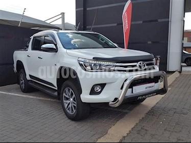 Toyota Hilux Doble Cabina 4.0L 4x4 Aut usado (2018) color Blanco