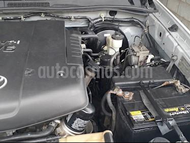 Foto venta carro usado Toyota Hilux Doble Cabina 4.0L 4x4 Aut (2010) color Plata precio BoF16.000