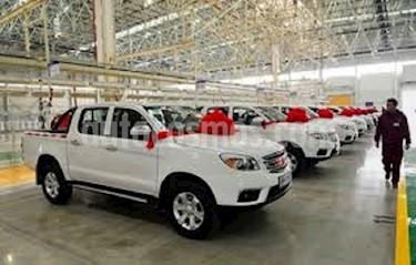 Foto venta carro usado Toyota Hilux Doble Cabina 4x4 (2018) color Blanco precio BoF12.700.000