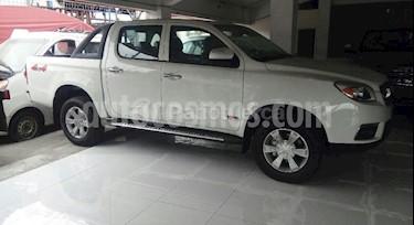 foto Toyota Hilux Doble Cabina 4x4 usado (2017) color Blanco precio BoF5.500.000