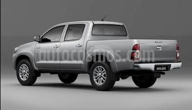 Foto venta carro usado Toyota Hilux Doble Cabina 4x4 (2018) color Plata precio BoF55.000.000