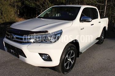 Toyota Hilux 2.4L 4x4 CD Diesel  usado (2017) color Blanco precio u$s14.500