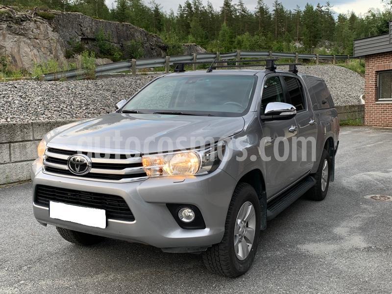 Toyota Hilux 2.4L 4x4 CD Diesel  usado (2017) color Gris Oscuro precio u$s13.500
