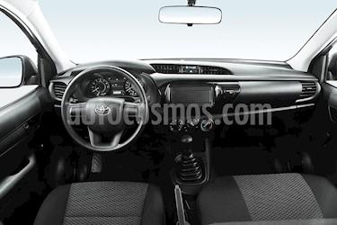 Toyota Hilux Chasis Cabina nuevo color Blanco precio $319,400