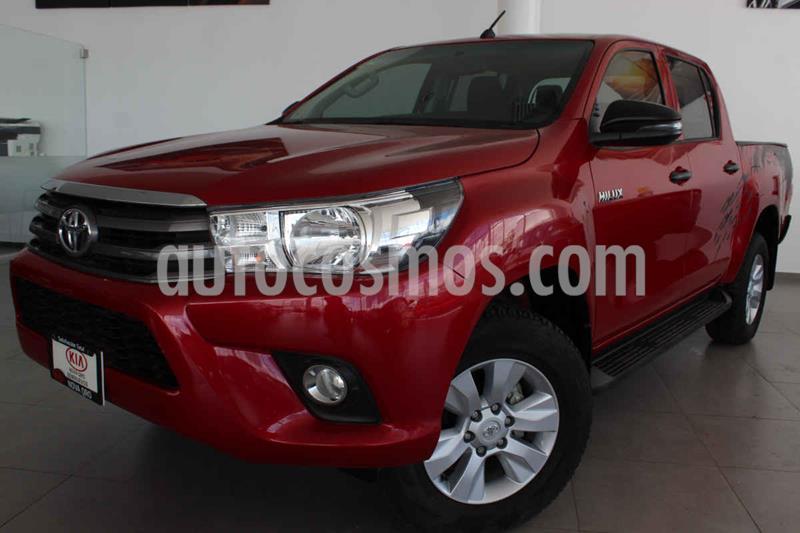 Toyota Hilux Cabina Doble SR usado (2018) color Rojo precio $325,000