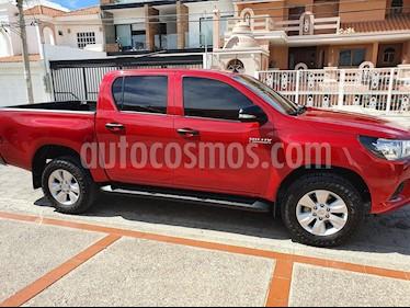 Toyota Hilux Cabina Doble SR usado (2017) color Rojo precio $300,000